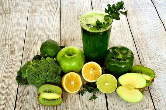 cockteil verde alaturi de fructe si legume